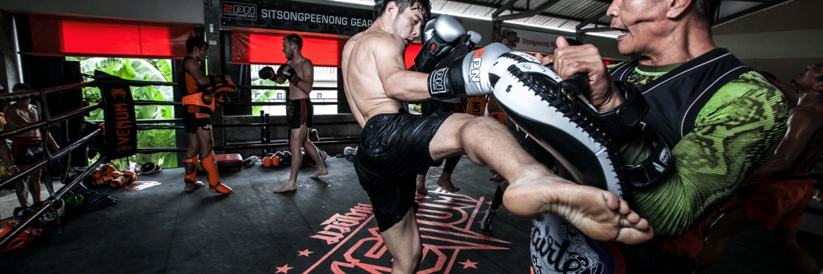 Sitsongpeenong Bangkok boxing and pad work